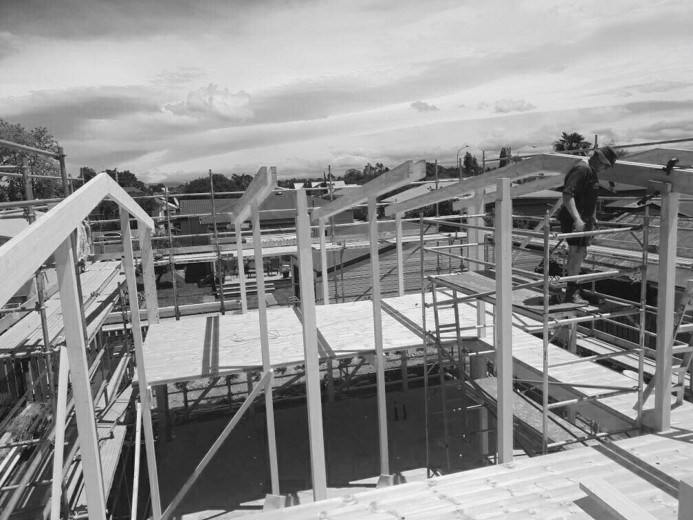 frame construction .JPG