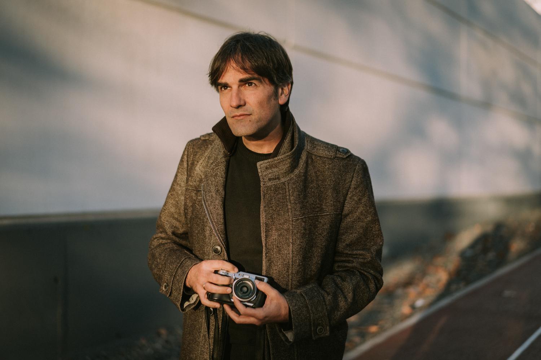 """""""Si tus fotografías no son lo suficientemente buenas es porque no estas lo suficientemente cerca"""" - - Robert Capa"""