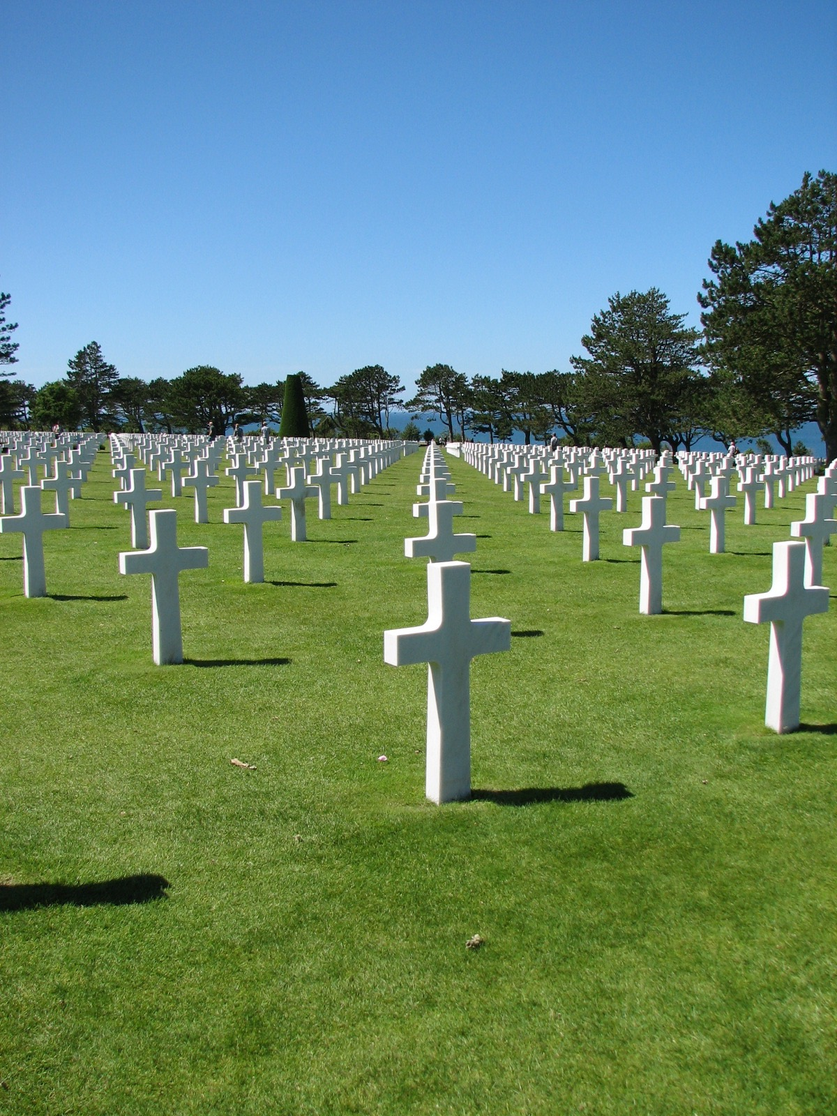 The American graves - 1 fallen in each