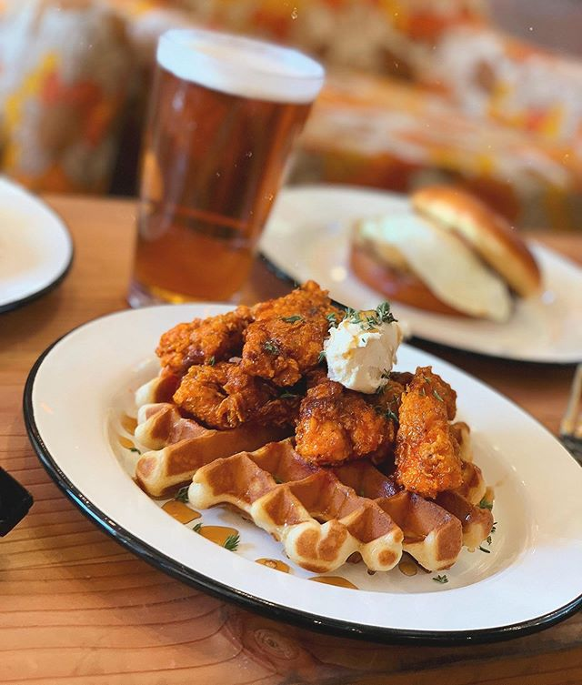 Come hang for Boogie Down Brunch with eats like these Hot Chicken Nugs & Waffles served 10am-2pm. We'll be playing Michigan vs. Wisconsin at 9am & ASU vs Colorado at 7pm 🏈 • • • • • #thehotchickaz #thehotchick #scottsdaleeats #absolutelyscottsdale #arizonagram #arizonafood #igarizona #azfoodblogger #azfoodie #azfoodies #azfood #azfoodandwine #scottsdaleblogger #scottsdalefoodie #phoenixfoodie #phoenixfood #phoenixfoodculture #phoenixeats #phoenixblogger #myphx #visitphoenix #friedchicken