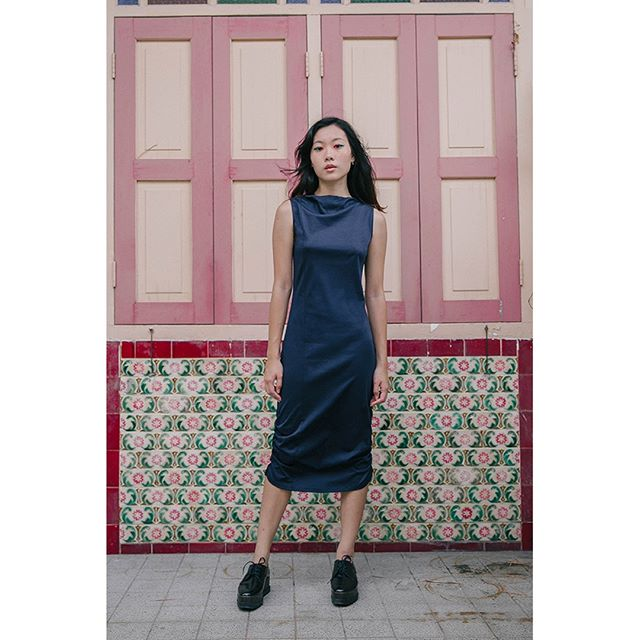 In collaboration with ARTS THREAD, Curate is excited to welcome the emerging fashion design talent a.oei studio  Designed in Seattle, @a.oei_studio is a contemporary womenswear brand focused on modern silhouettes, subtle details and original textile designs. Fabrics are of natural fibers largely sourced from Japan; small-batch ethical production is based in Seattle and Singapore.