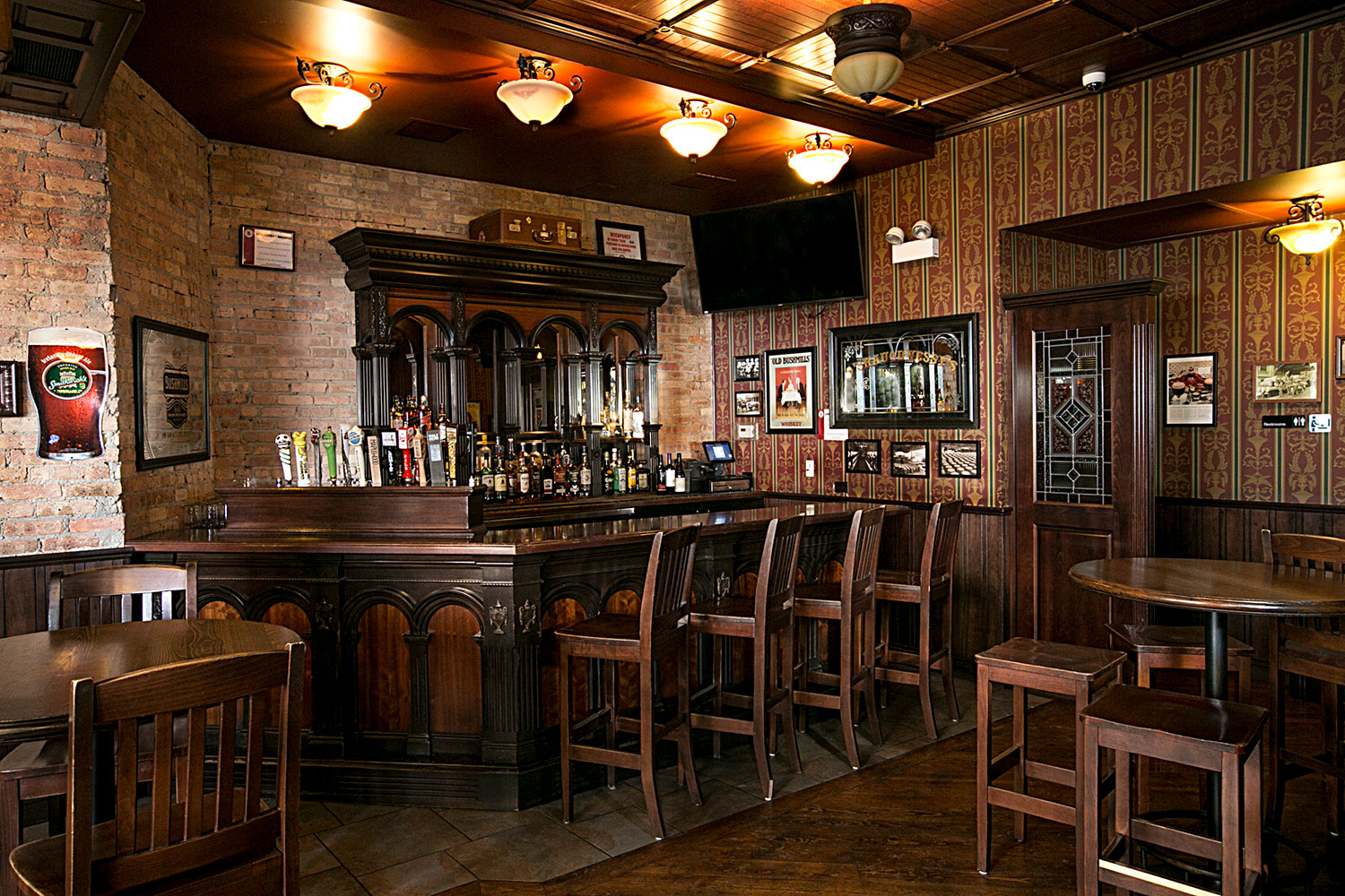 oshaughnessys-publlic-house-rear-bar.jpg