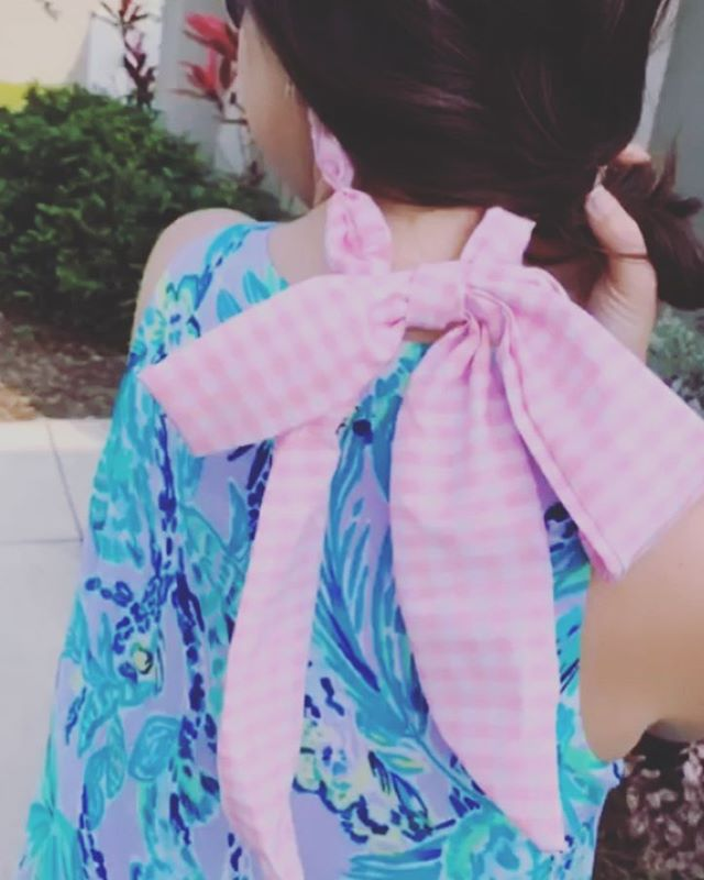 Just loving the pink gingham shebows on @girlmeetsbow ! Such a cute pairing with that dress 😍 . 🕶 . #bows🎀 #🎀 #sunglassesfashion #sunglasschain #sunglassescord #accessoriesoftheday #sunglassaccessory #accessorize #onlineshop #outfitinspo #southerngirl #southernstyle #shebows #myshebow #girlygirl #girlythings #bigbow #bigbows #cute #sunnies #sunniestraps #shopify #etsyfinds