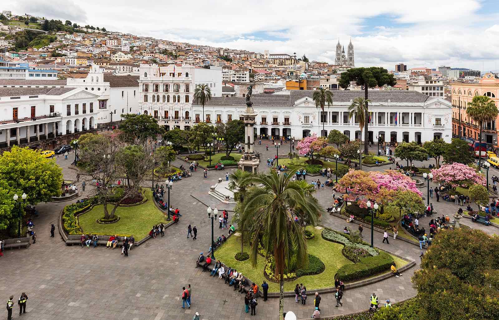 A full view of the square from above. It was a bit cloudy the day we were there and I don't have a drone so here is an image of the plaza by   Diego Delso,    © Diego Delso/WikiCommons