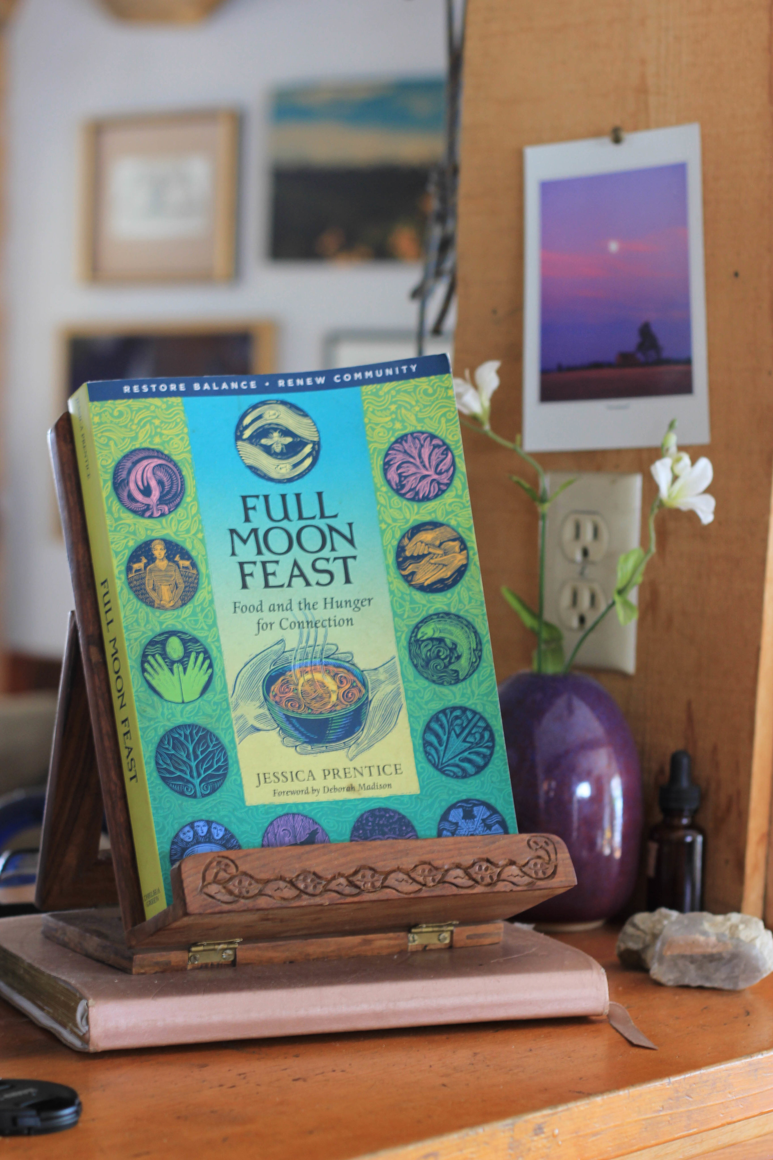 Moonthly Reading - Full Moon Feast: Food and the Hunger for Connection by Jessica Prentice