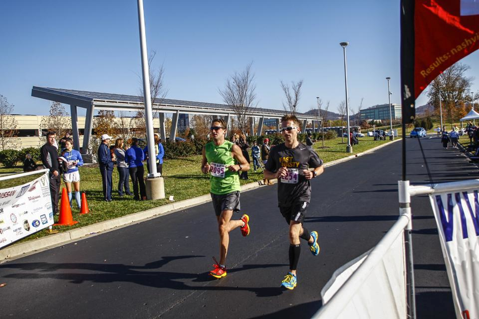 Jackson and Kevin taking 2nd and 3rd at Viva La Diva last year behind Courtney. We ran a 10 mile warmup before the 10 mile race as a training run.