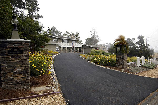 cambria_landscaped-driveway.jpg