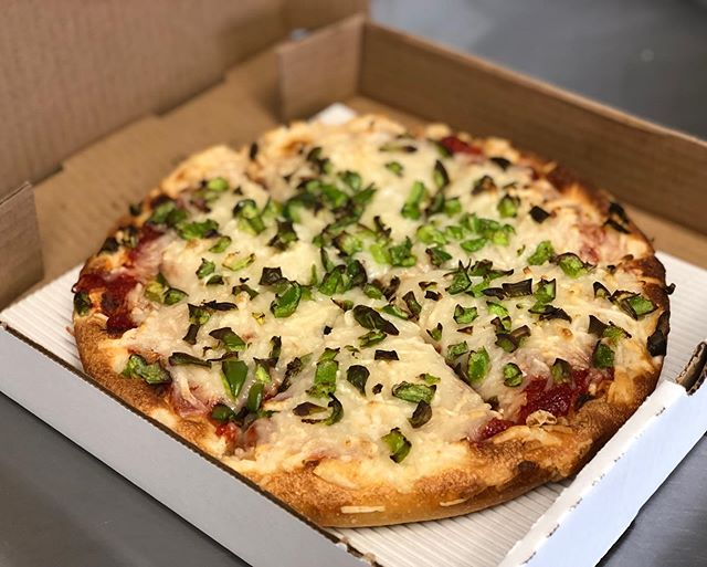 Our vegan custom pizza! This one has onions, green peppers and Daiya Cheese! Simple but oh so good! 👍🏼🤪 #pizza #vegan #dairyfreepizza #veganpizza #fresh #local #supportlocal