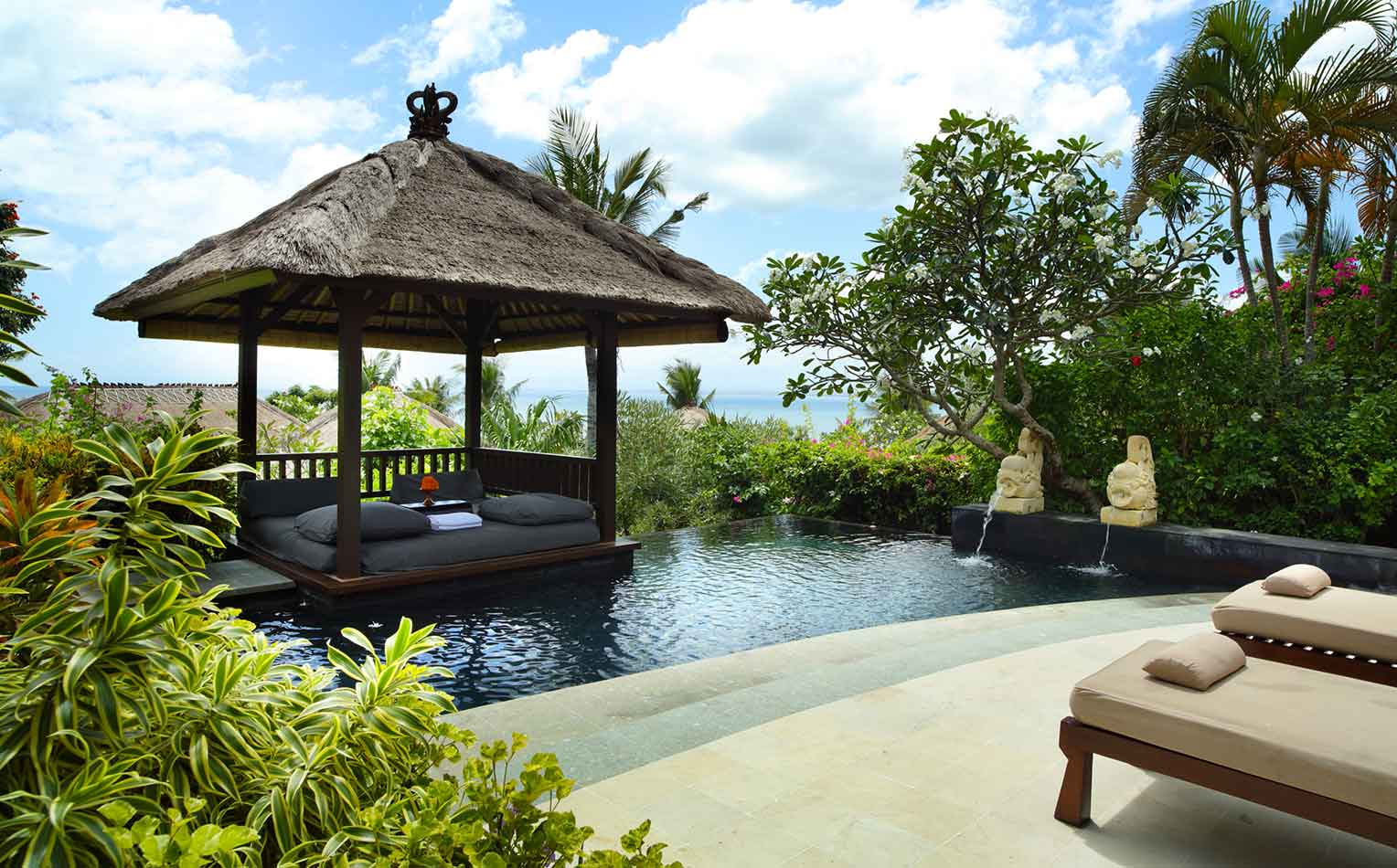 gallery_rooms_10_ocean_view_cliff_pool_villa2.jpg