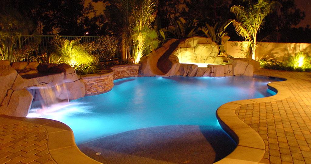pool-cleaning-company-1.jpg
