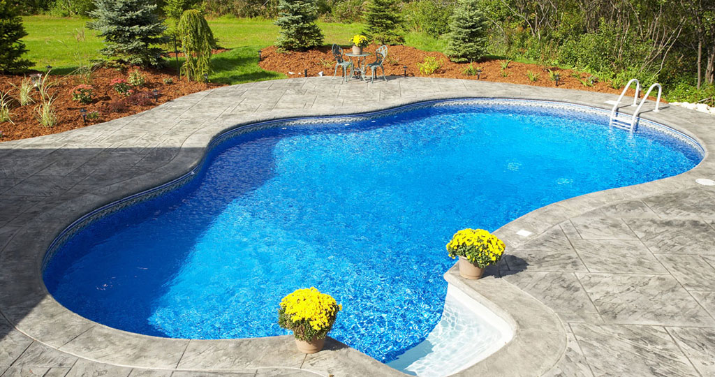 pool-cleaning-company-4.jpg
