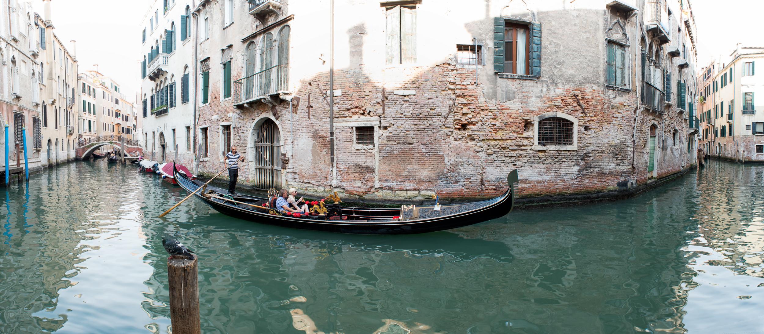 Venice Canal Pano7x16.JPG