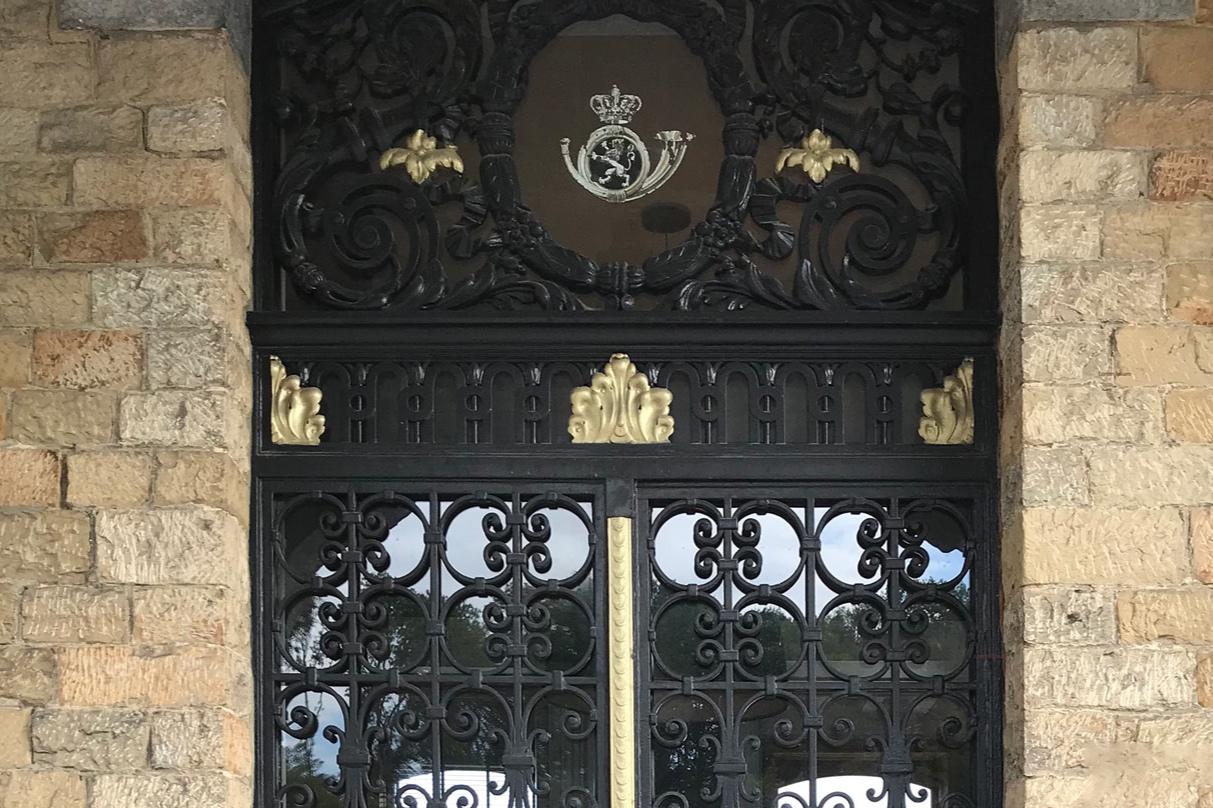 domaine-de-ronchinne-notre-histoire-chateau-de-la-poste.jpg