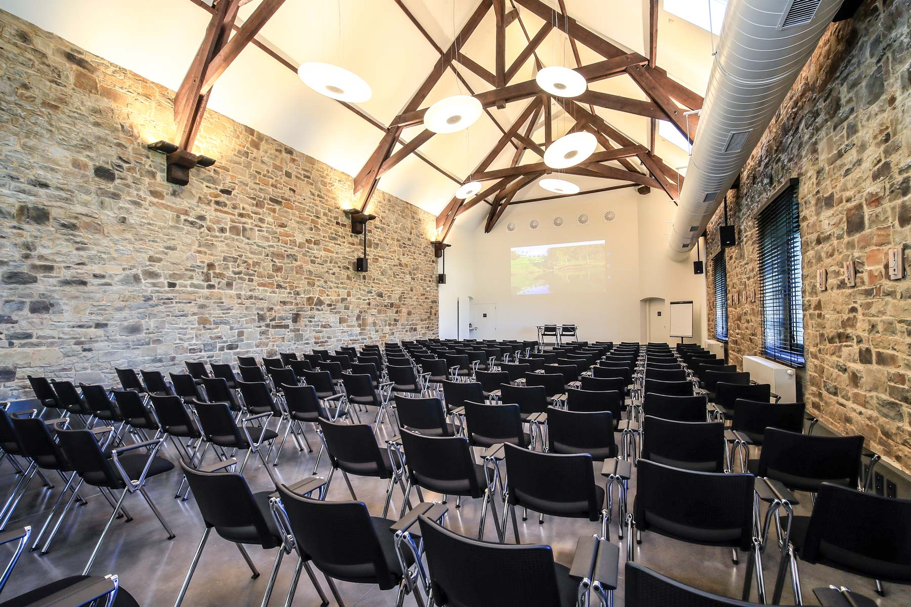 domaine-de-ronchinne-evenements-meetings-professionnels-conferences-02.jpg