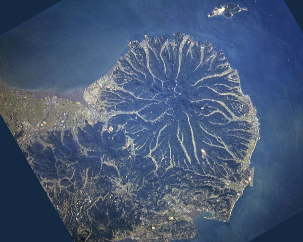 This is a satellite view of the Kunisaki Peninsula. Note Himeshima Island off the NE coast.