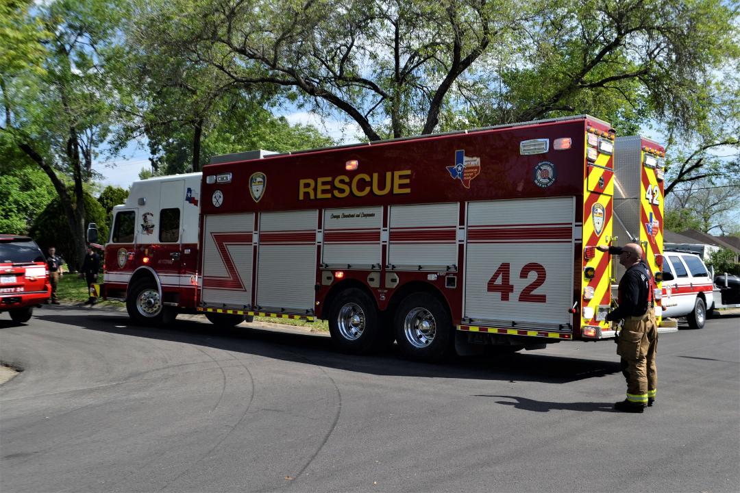 rescue-3252271_1920.jpg