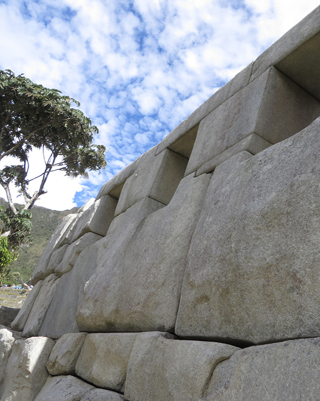 Stonework with no mortar - truly impressive & sophisticated engineering.