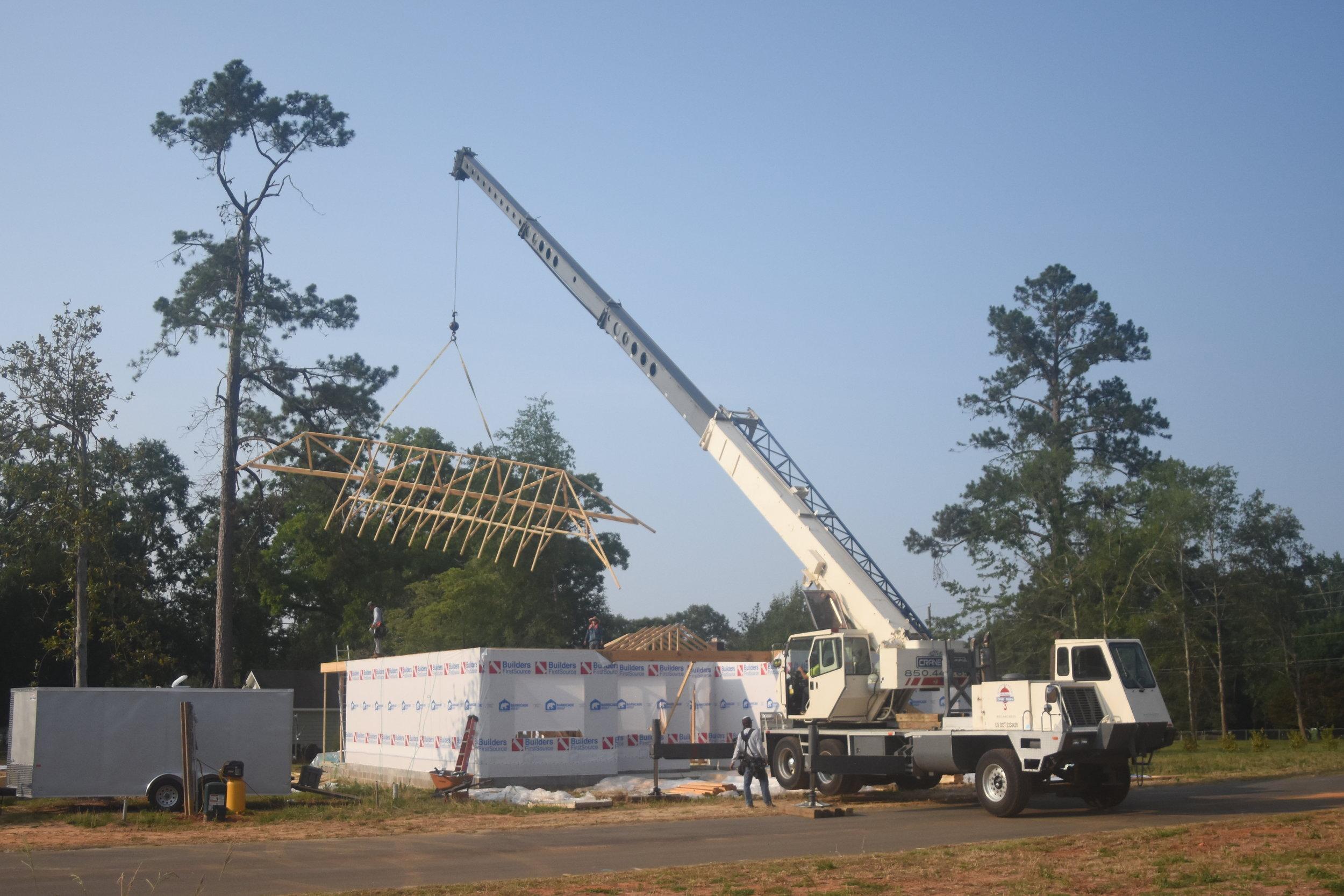tallahassee quincy monticello havana crane rentals truss work.JPG