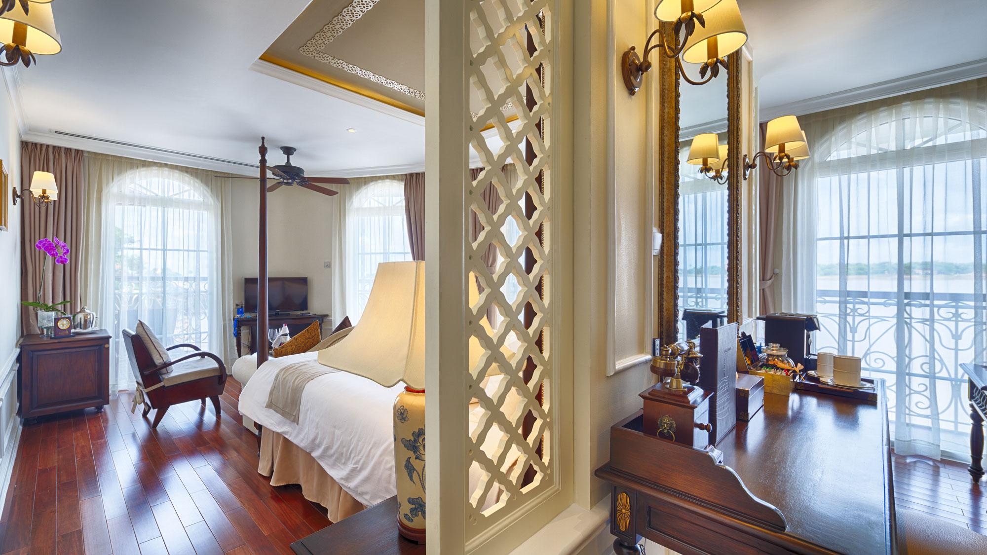 Mekong-Nav-Grande-Suite-001_small.jpg