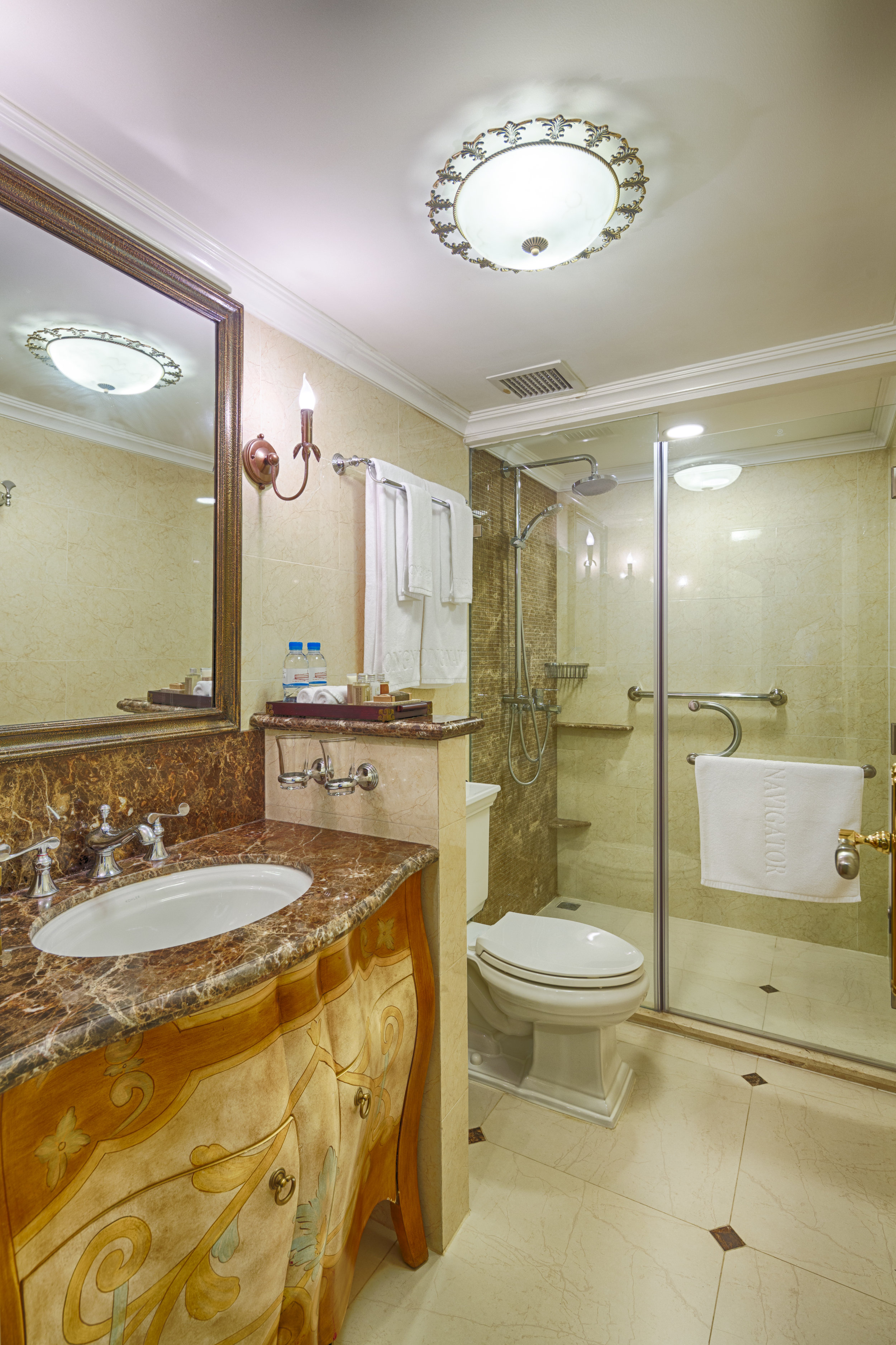 Mekong Nav-Bathroom-001.jpg