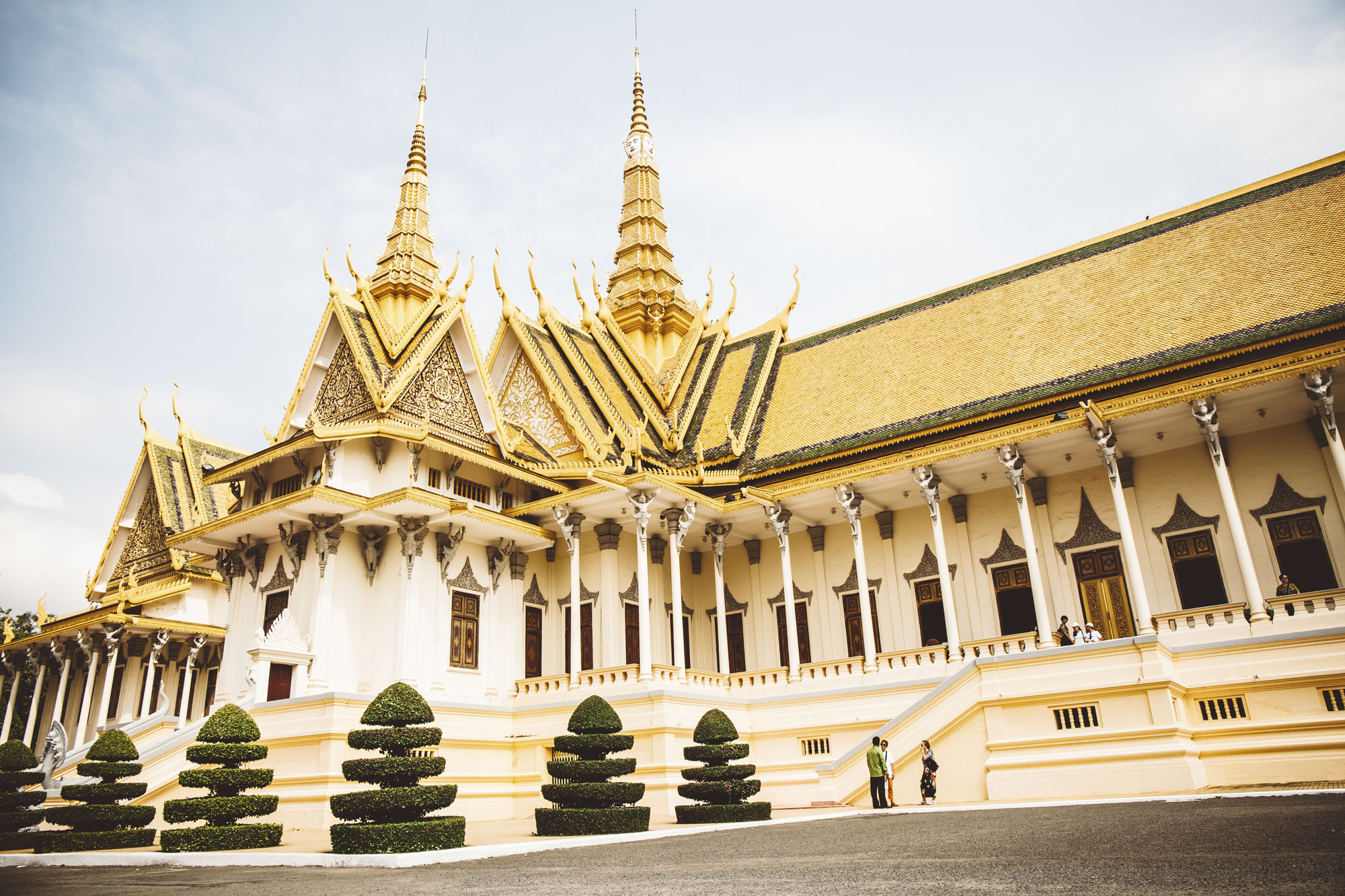 Phnom-Penh-Royal-Palace--12_small.jpg