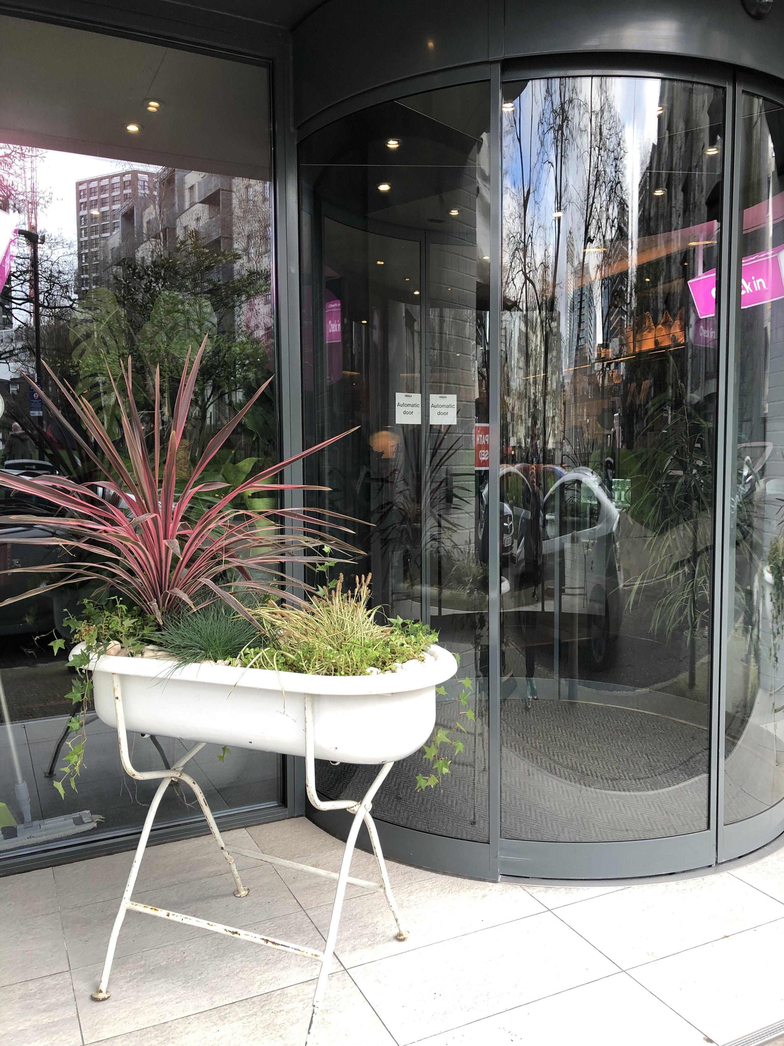 large planters, external large planters, large planters indoor
