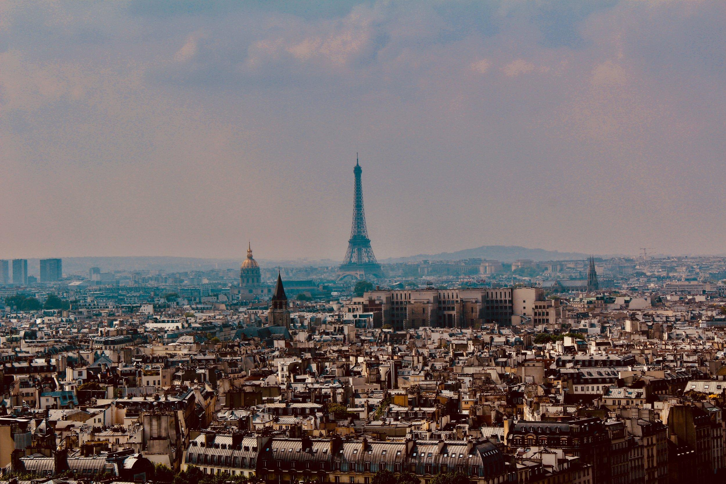 FORBIDDEN PARIS : MEGASTRUCTURES OF THE SHADOWS