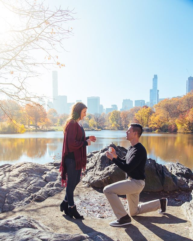 Thinking about this surprise proposal in Central Park. One of my favourite shoots I've ever gotten to be a part of. I mean what's more perfect that visiting NYC and being surprised like this with that view?!⠀⠀⠀⠀⠀⠀⠀⠀⠀ If you you're engaged or married how did your proposal happen? Any funny stories?⠀⠀⠀⠀⠀⠀⠀⠀⠀ Me? Derek arranged to take me on a boat trip (with a few other couples we didn't know, made me dress up while he turned up in baggy jeans and skate shoes🙄😂) at the manor house hotel and had written 4 envelopes to open throughout the morning with clues, the last one had 4 little hearts asking 'will you marry me?'⠀⠀⠀⠀⠀⠀⠀⠀⠀ Obviously almost 5 years and a baby later I said yes haha.⠀⠀⠀⠀⠀⠀⠀⠀⠀ ⠀⠀⠀⠀⠀⠀⠀⠀⠀ Don't forget about our 25% off offer running till the end of the month!!!⠀⠀⠀⠀⠀⠀⠀⠀⠀ ⠀⠀⠀⠀⠀⠀⠀⠀⠀ #proposal # Engagement #CentralPark #WintersDay #MakeMemories #CaptureTheEveryday