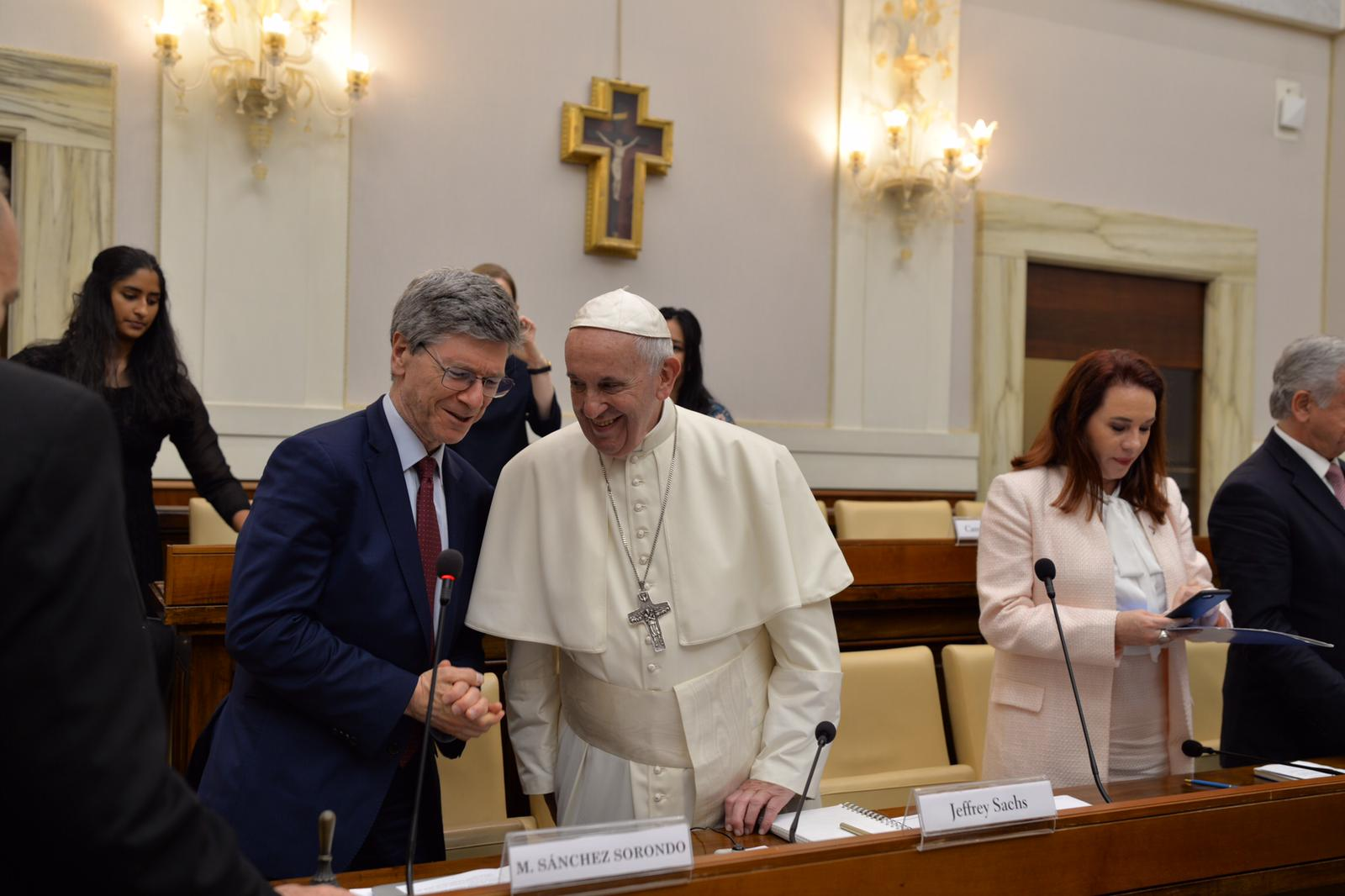 Jeff Sachs (left) and Pope Francis (center) and PGA (right) at the Vatican to discuss SDGs.