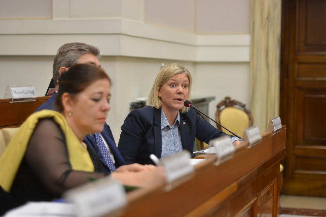 finance minister 2 vatican.JPG