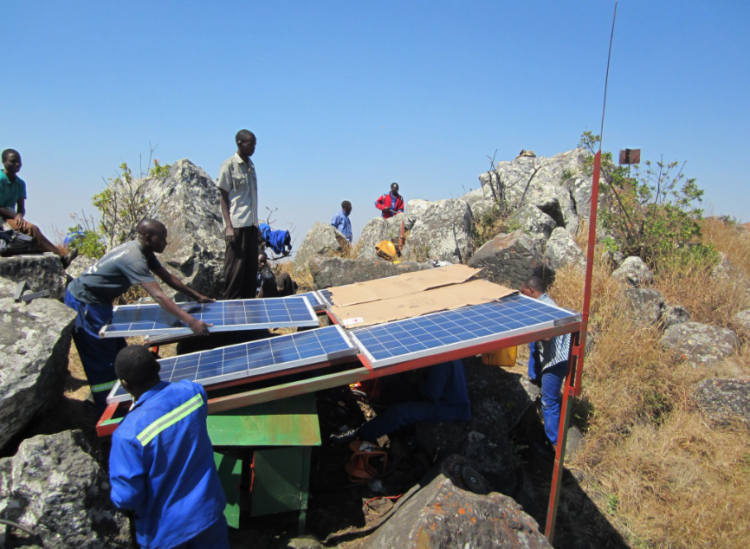 Off-grid solar in the Sahel to reduce reliance on wood fuel in rural populations. Credit: United Nations Climate Change