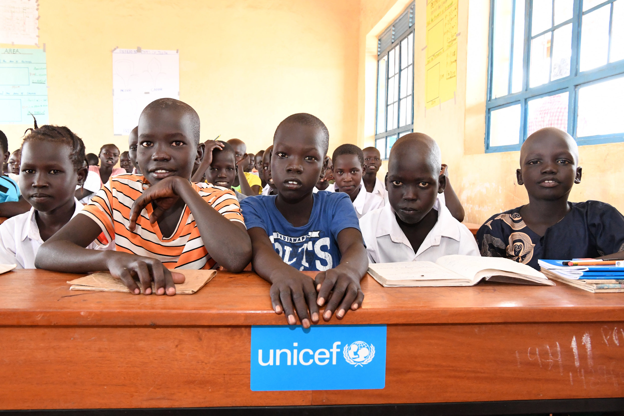 UNICEF has contributed to the construction of the only school in the Kalobeyei village along with the recruitment, financing and training of teachers.