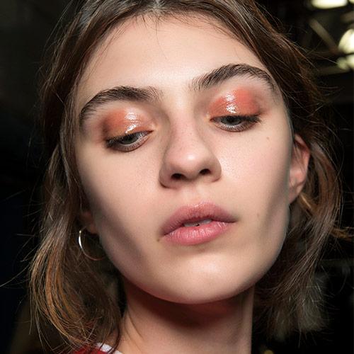 glossy-eyelids.jpg