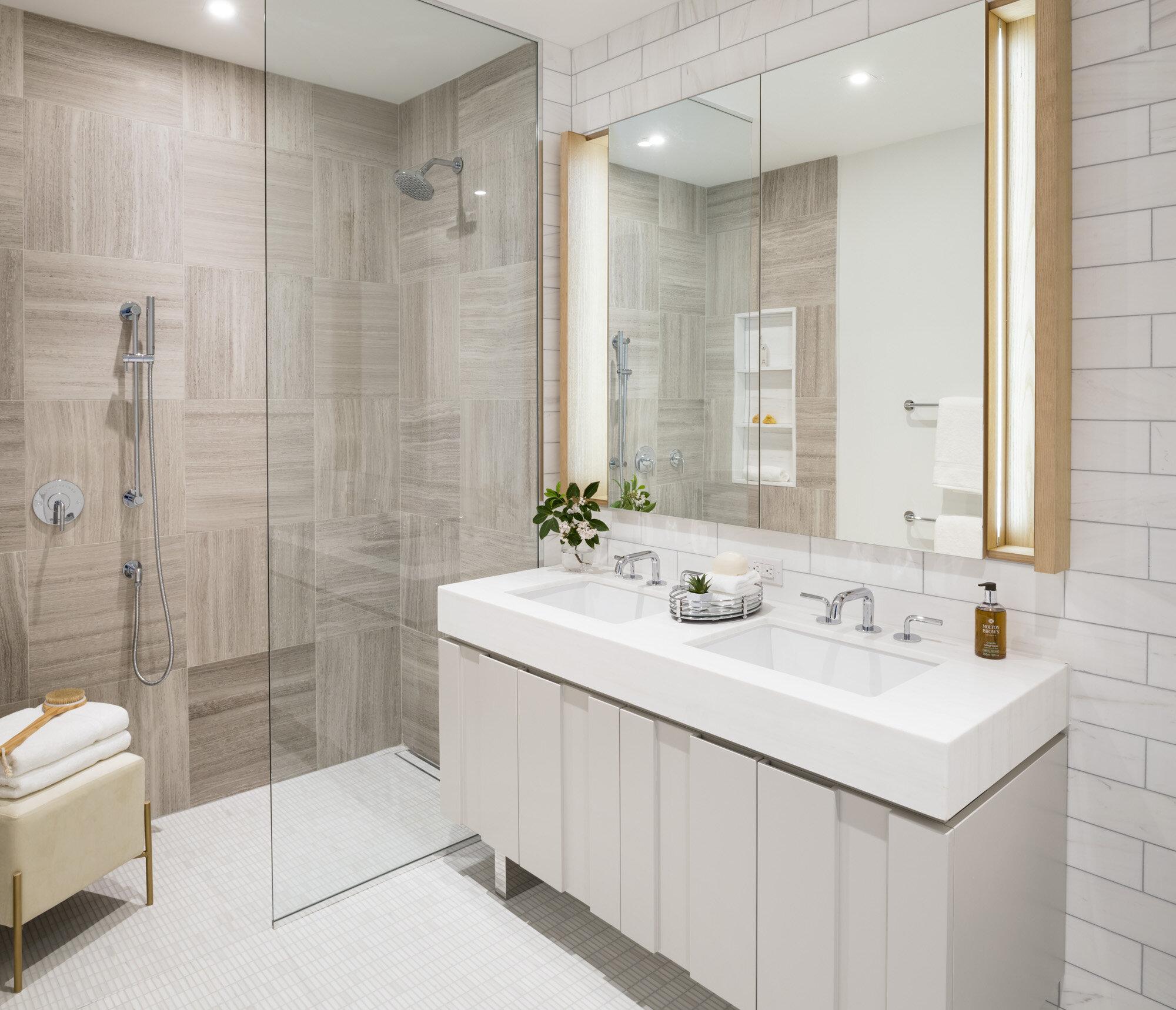 Galerie 2 bedroom master bath.jpg