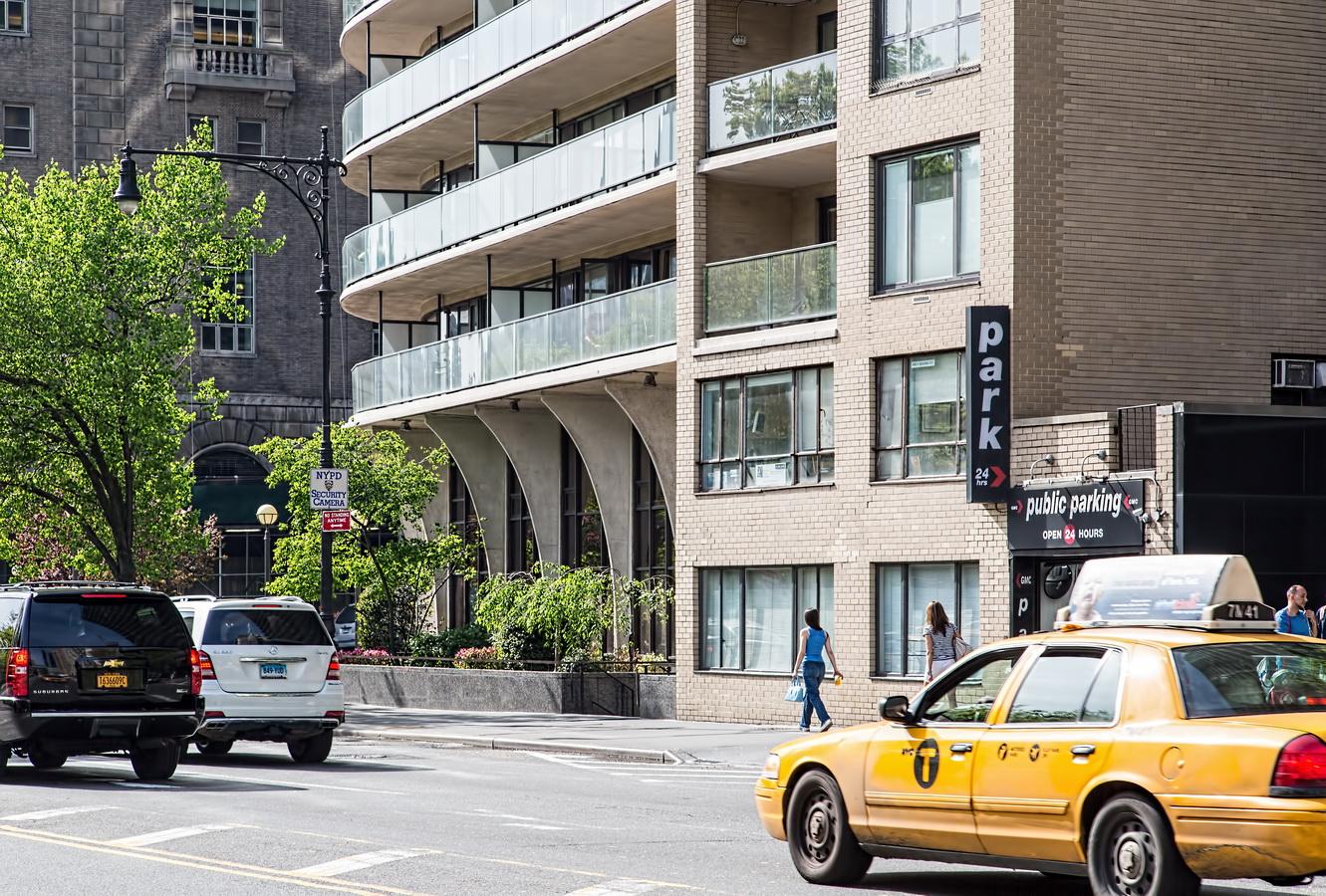 Central Park Apartment Complex