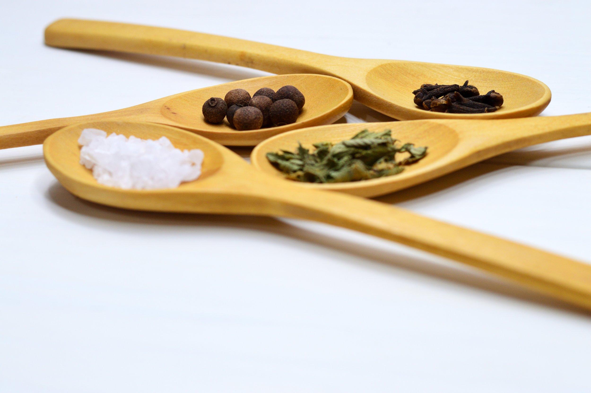 food-oregano-pepper-971077.jpg