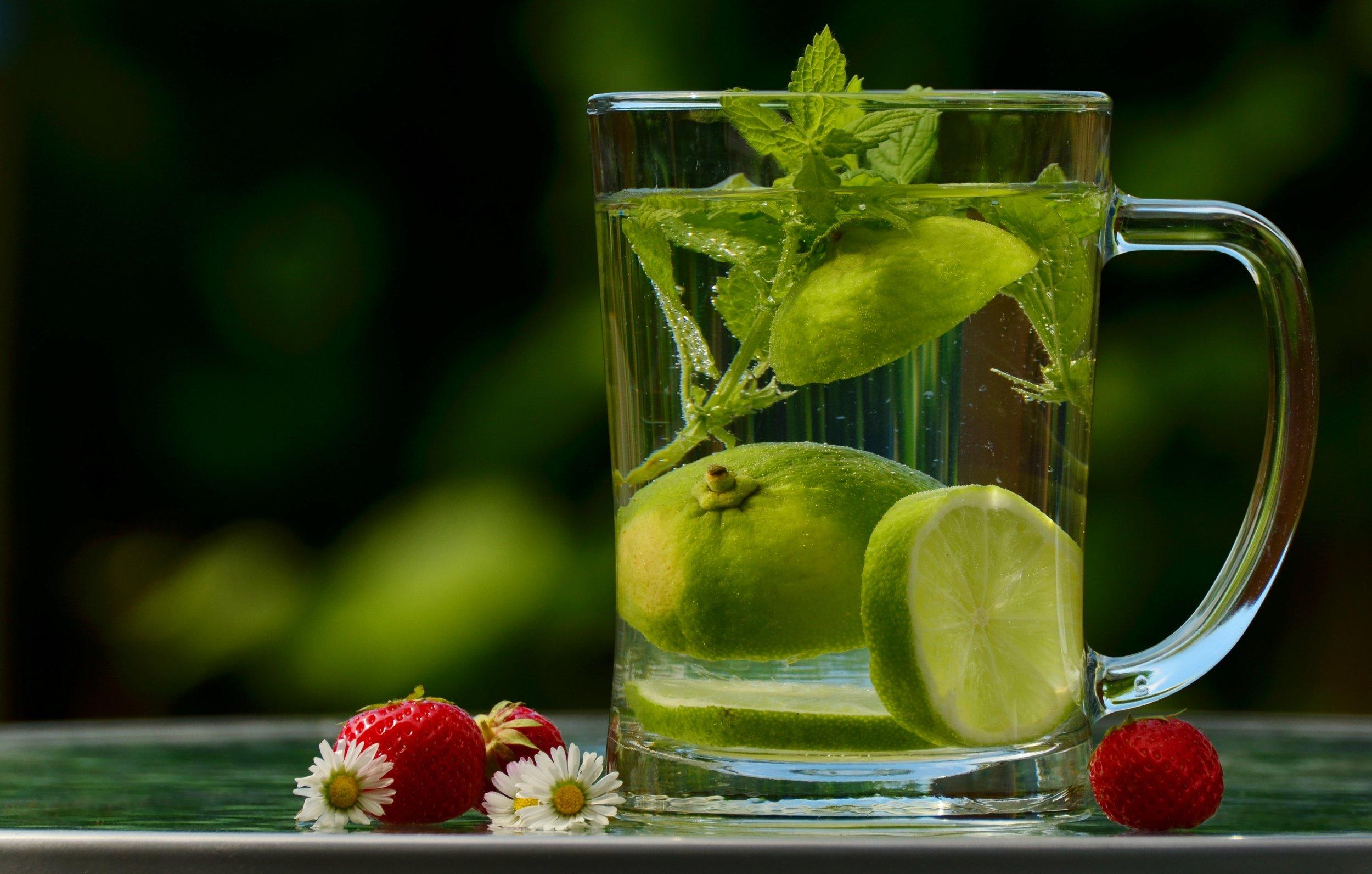 berries-berry-beverage-122444.jpg