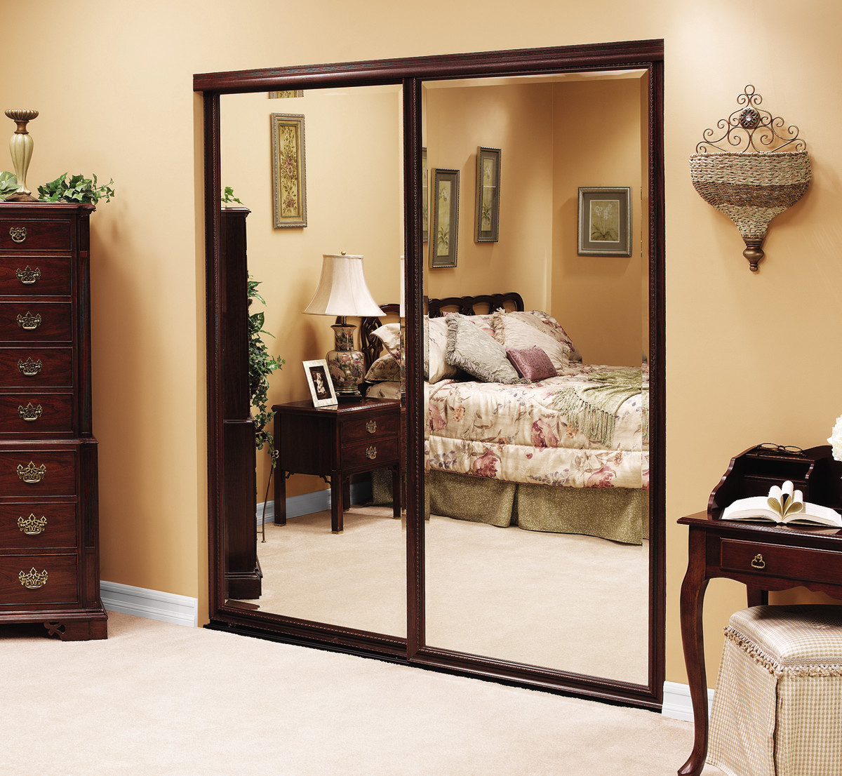 mirrored-wardrobe-1.jpg