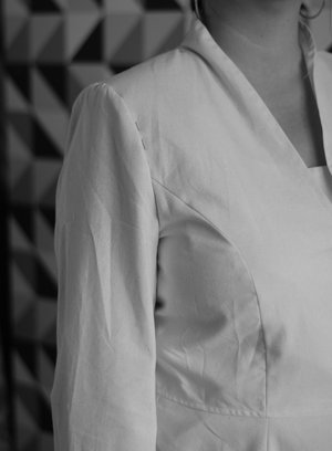 Narrow shoulders -