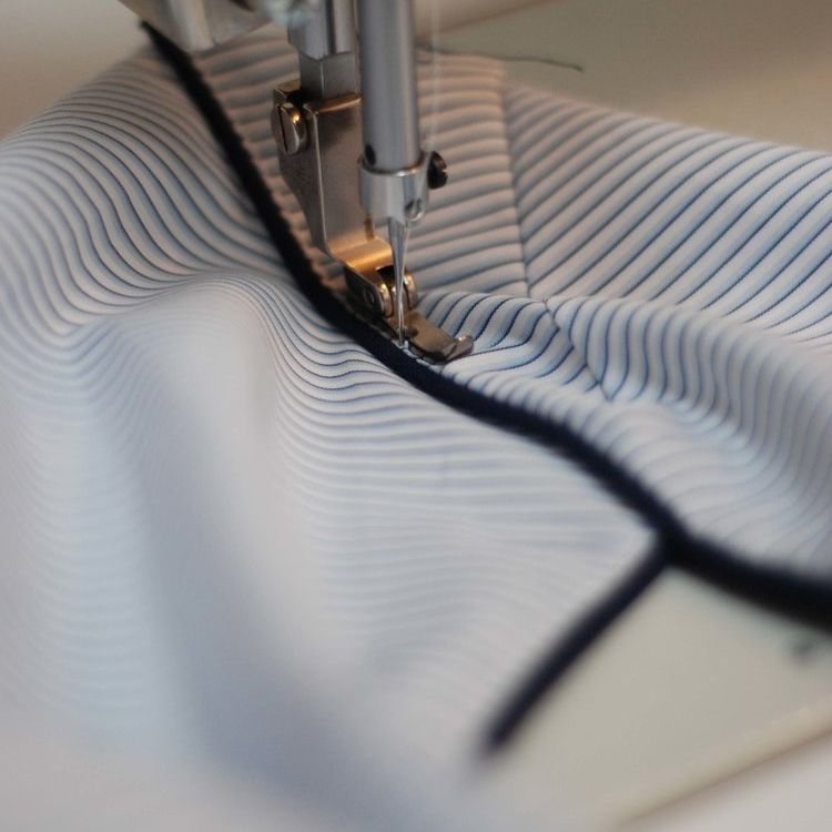 How to sew the shoulder seam -