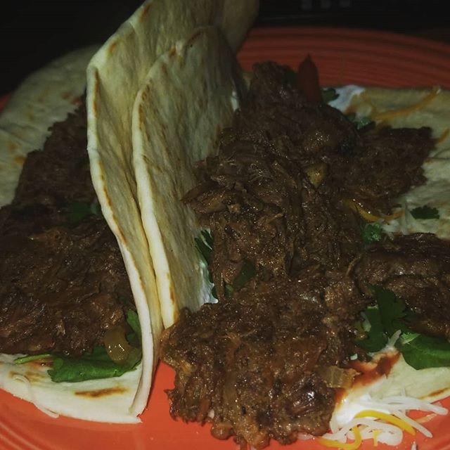 Slow cooked beef tacos with fajita veggies