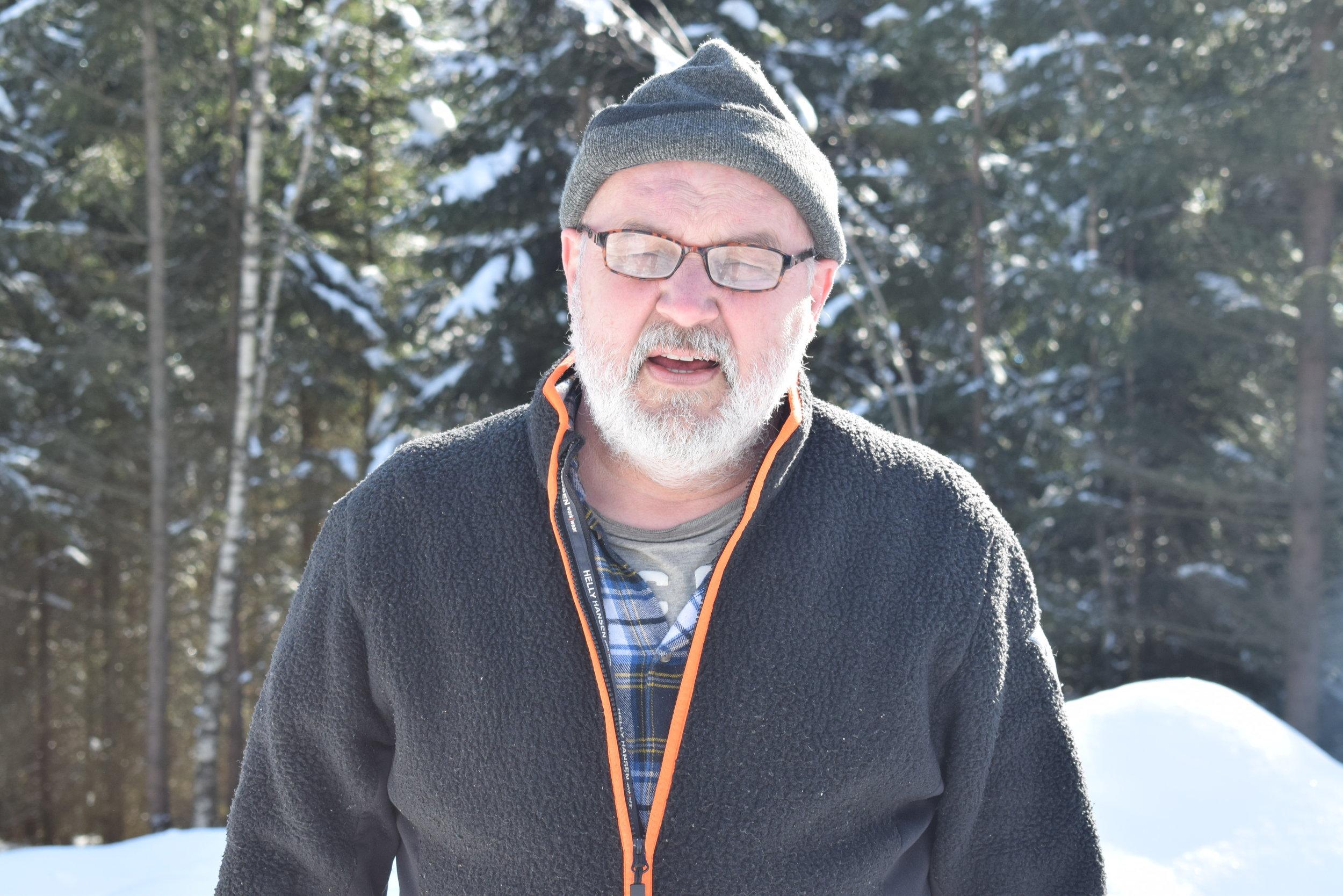Björn Edsholm - Björn Edsholm grundare av företaget och började att skulptera efter Gudrum stormen.