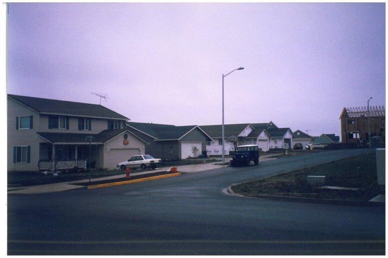 12-neighborhood2.jpg