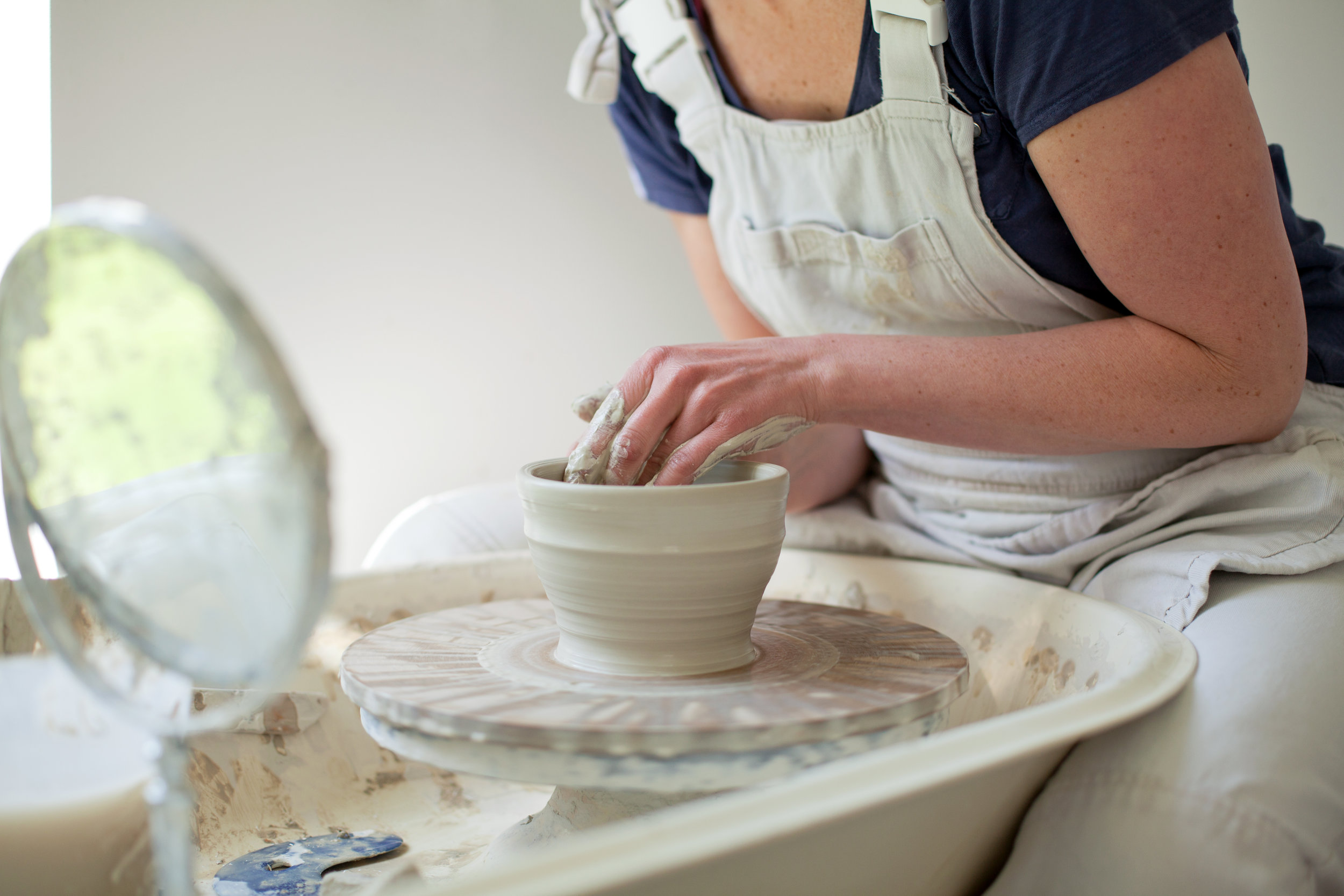 Throwing pottery classes