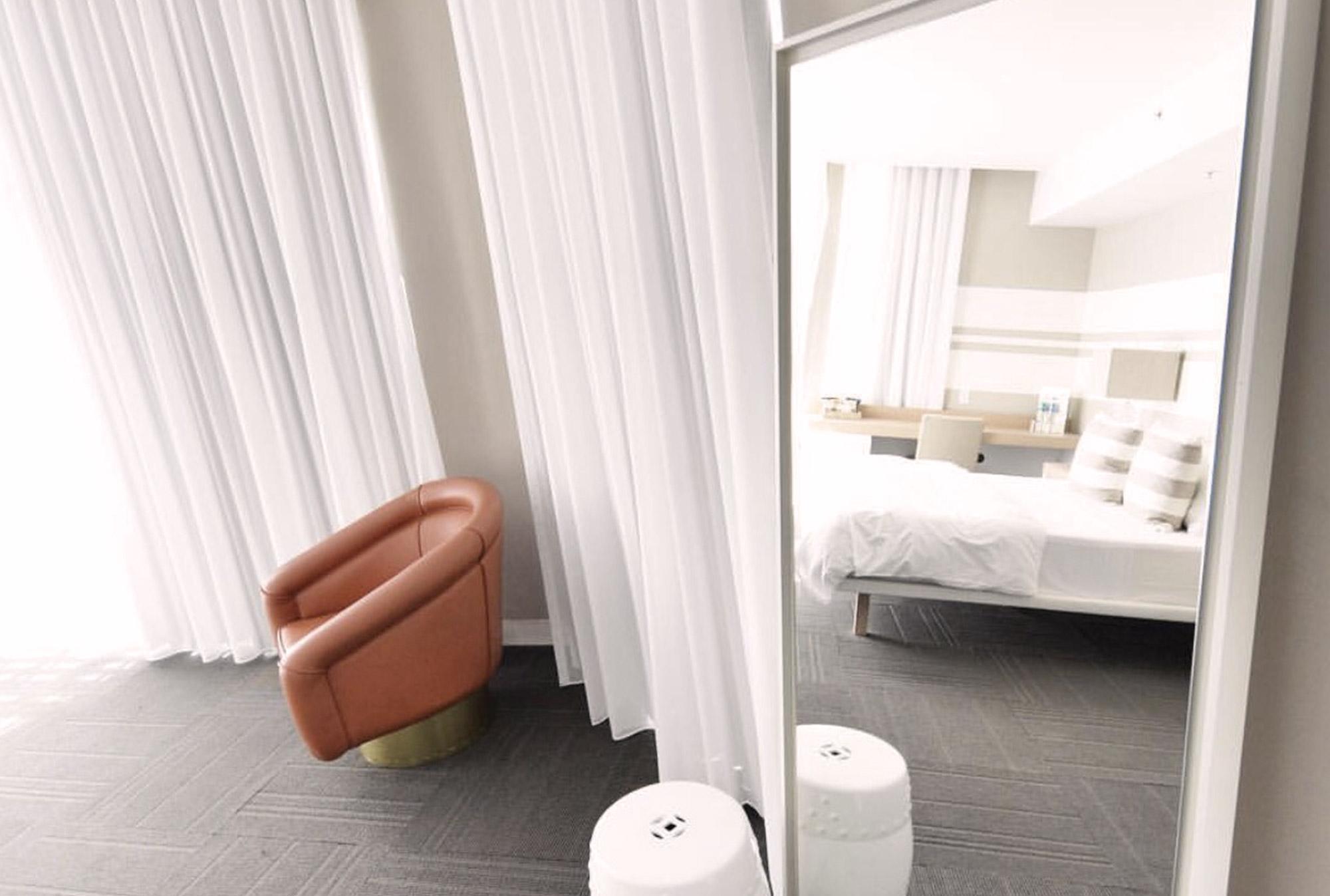 room-deluxecity-2.jpg