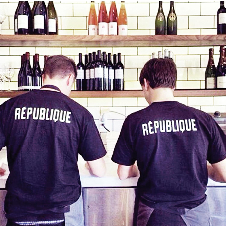 Republique_tshirts.png
