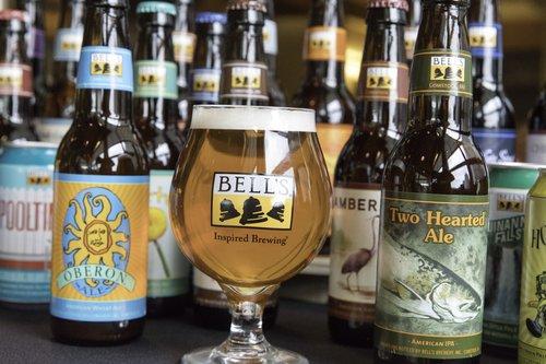 Bell'_BeerFamily.jpg