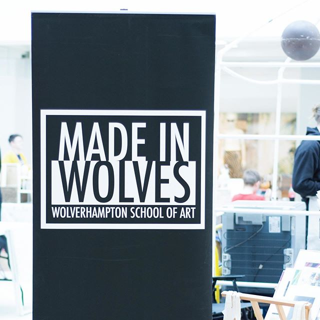 In this weeks post I've shared some photos from the @made_in_wolves pop-up shop in Wolverhampton this month! It's also the start of a new series, where I'll be taking a few art filled detours 😉 #theartisandetour