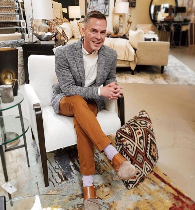 Peter Jacob from @peterjacobkindcreative and awesome designer from @wesley_hall_inc paid us a visit the other day! From his chairs to his outfit, he knows it's all in the details ✨