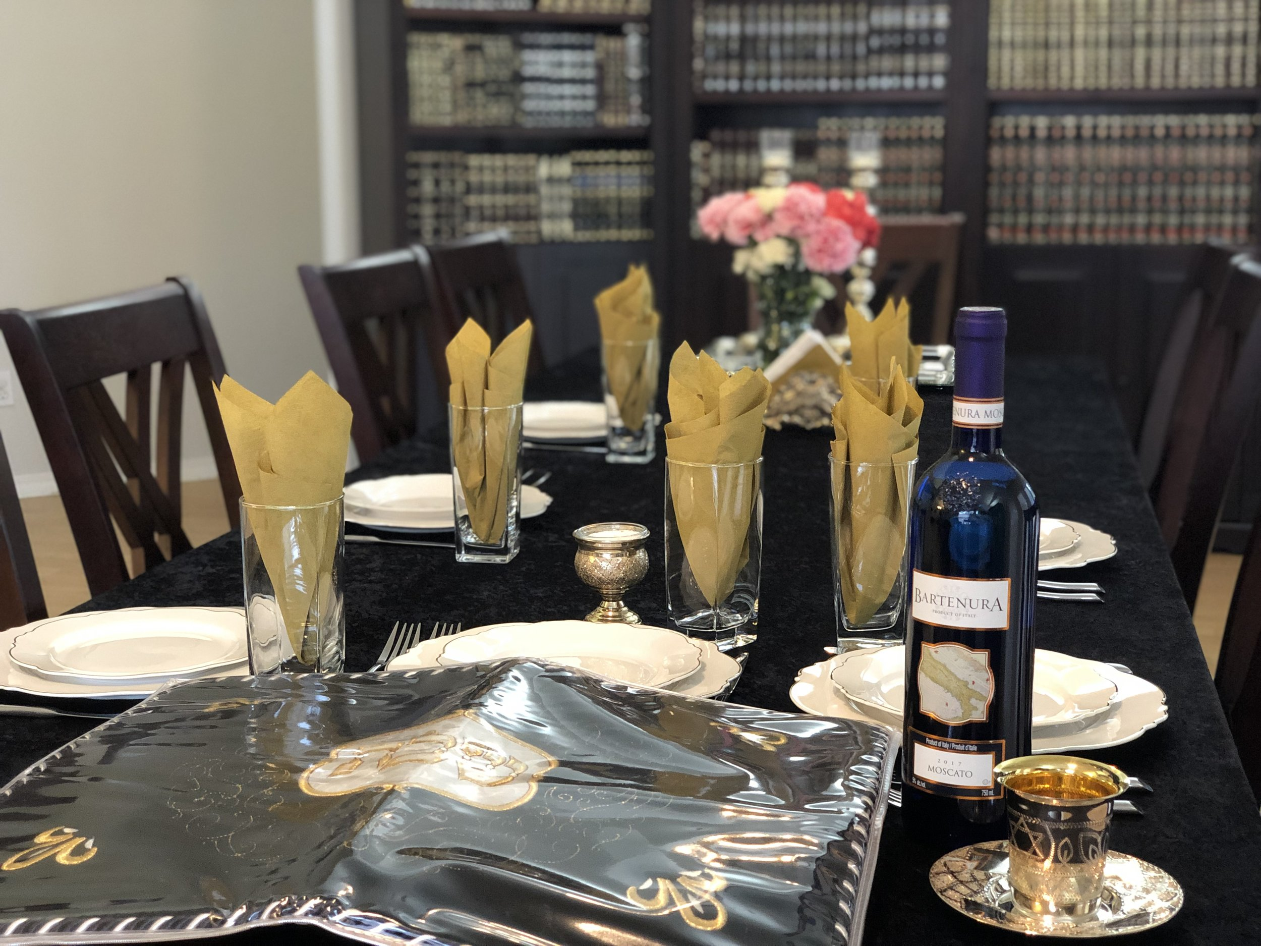Shabbat Services & Friday Night Live - Every Friday night we have a short Kaballat Shabbat service followed by a tasty Shabbat dinner.Once a month there is a big Shabbat dinner, where many Jews from across town join in for a lively delicious meal.Contact us to find out more details